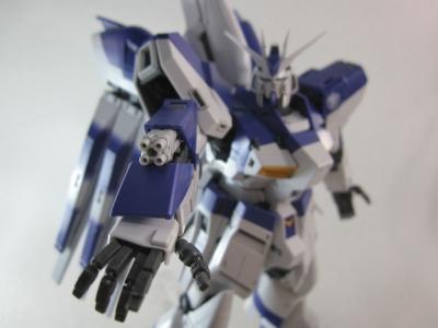MG-Hi-NEW-GUNDAM-Ka_0311.jpg