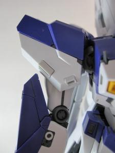 MG-Hi-NEW-GUNDAM-Ka_0359.jpg