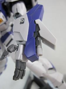 MG-Hi-NEW-GUNDAM-Ka_0593.jpg