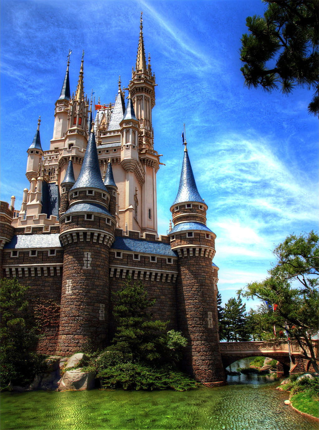 物語のシンデレラ城
