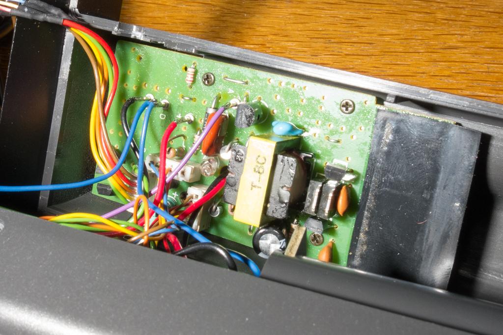 ストロボの鉛蓄電池駆動(nissin Auto 3200 AF iGBT Control)