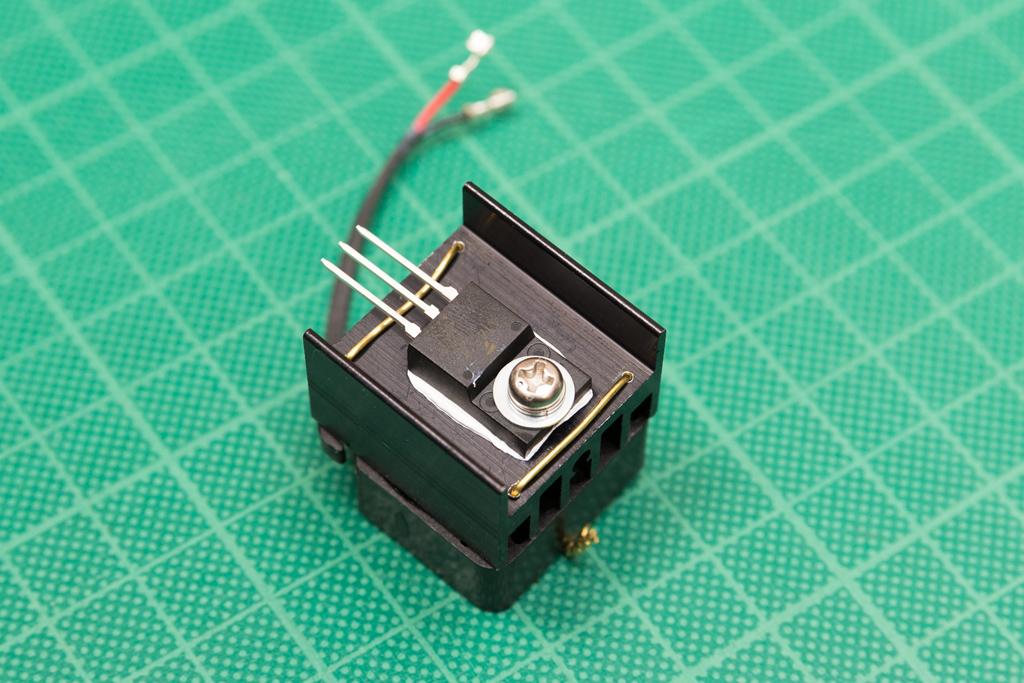 ストロボの鉛蓄電池駆動2(nissin Auto 3200 AF iGBT Control)