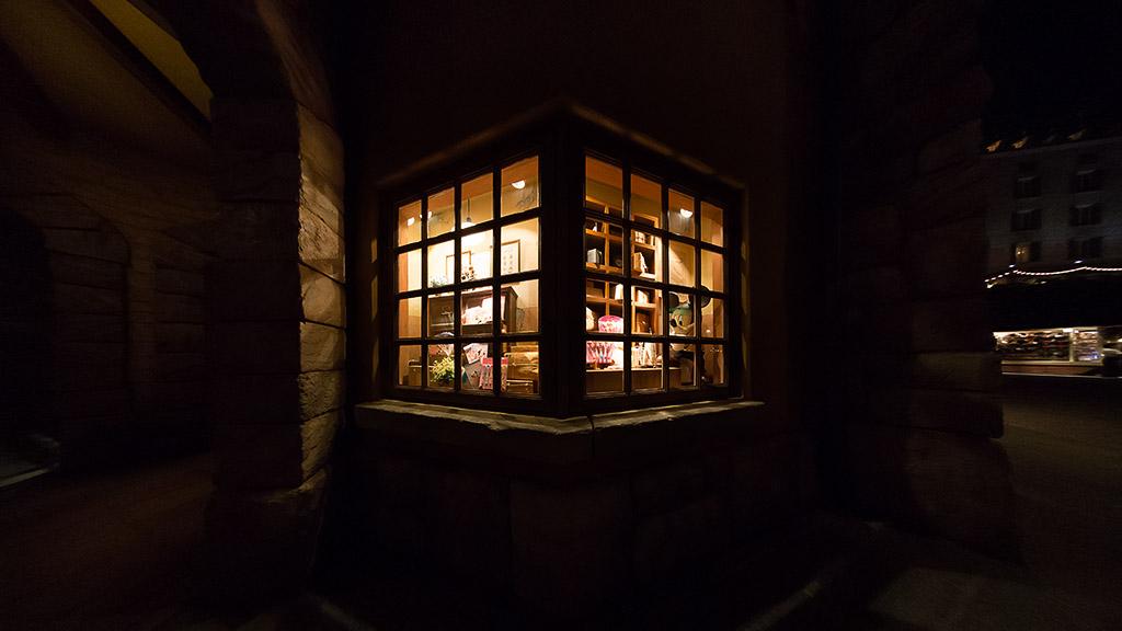 イル・ポスティーノ・ステーショナリー ミッキーのいる窓(ショップ)(メディテレーニアンハーバー)(東京ディズニーシー)【カテゴリー略称:イル・ポスティーノ】