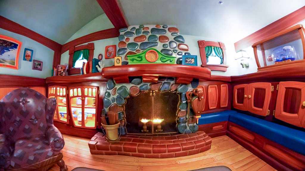 暖炉(ミッキーの家とミート・ミッキー)