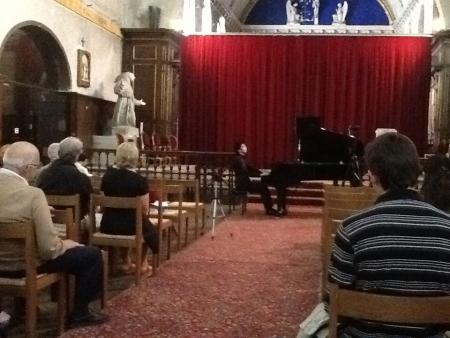 楽器のコントロールは難しかったけれど、教会独特の残響と空気感が心地よかった