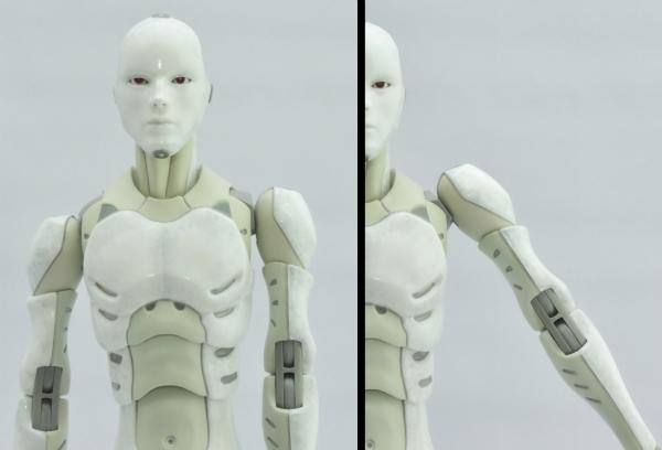 東亜重工 合成人間:肩の上下可動