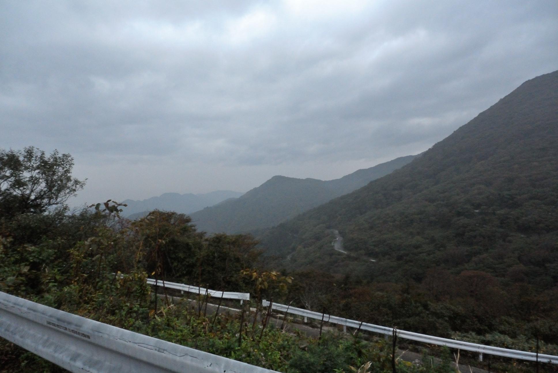 笹谷峠てっぺん近くからの景色