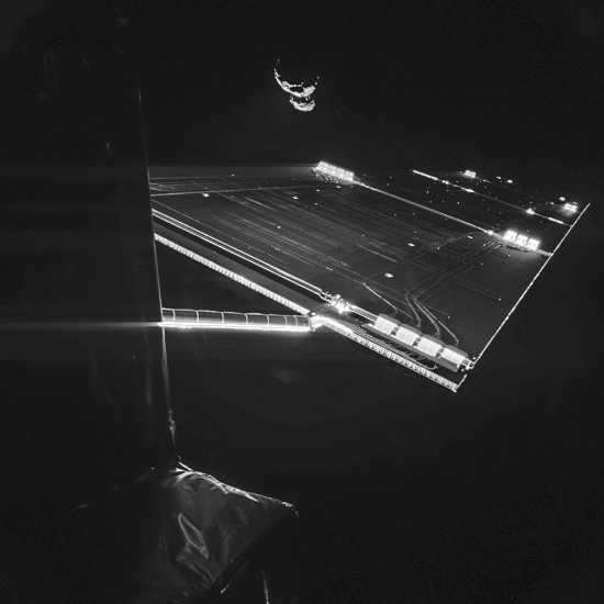 Rosetta_mission_selfie_at_comet.png