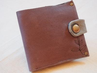 折り畳み財布①うろこ 2014S (400x300)