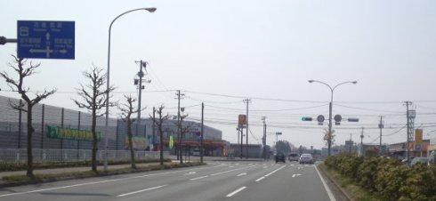 デイリーストアのある交差点