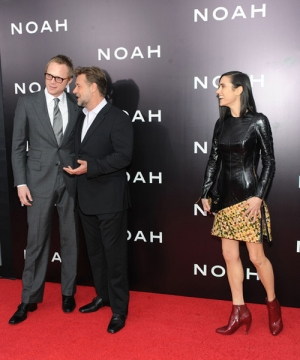 0426 Paul+Bettany+Noah+Premieres+NYC+Part+3+vZ1vU8lrs84l