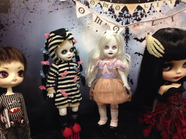 15 doll show
