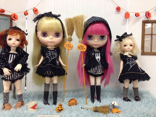 16 doll show
