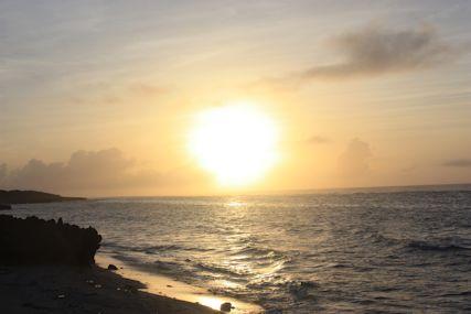 ぴざ浜の大きな朝日