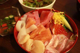 自宅で豪華海鮮丼2