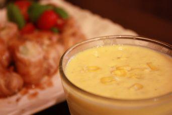 新生姜の豚ロールとトウモロコシの冷製豆乳スープ