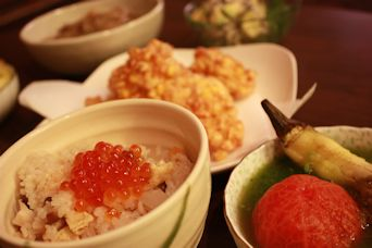 トウモロコシの天ぷらと新生姜の炊込みご飯