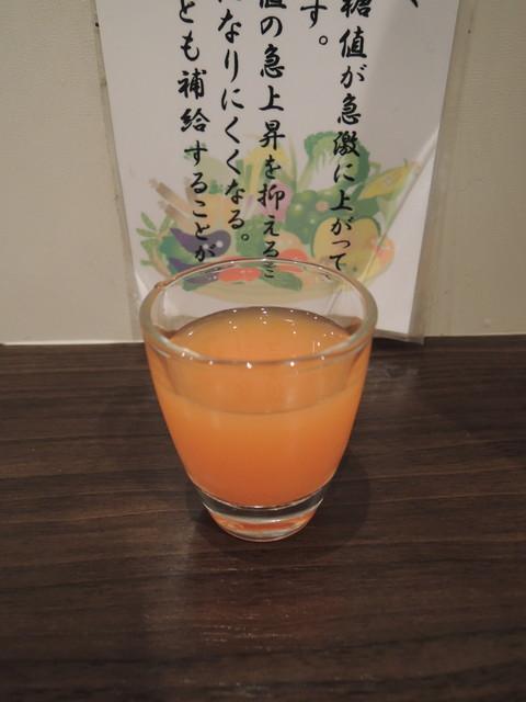 食前の野菜ジュース