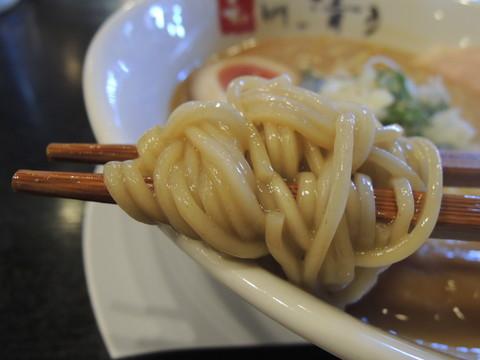 鶏白湯しょうゆの麺