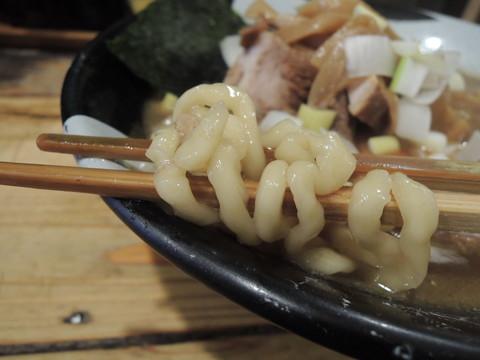 煮干ラーメンの麺