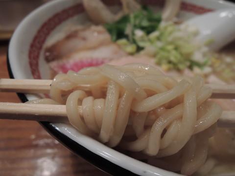 白みそらーめん肉増しの麺