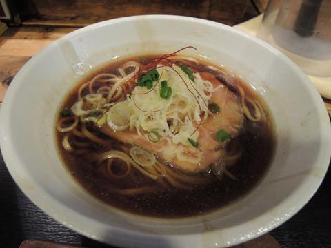 大阪ラーメン(甘辛醤油味)並盛(800円)