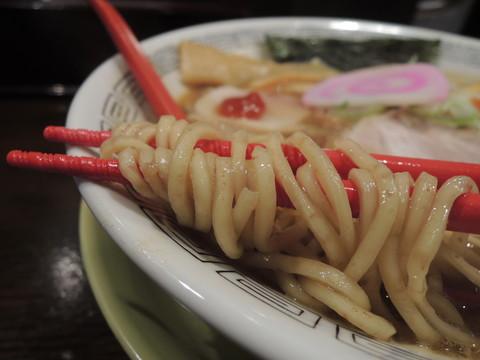 中華そば(こってり)の麺
