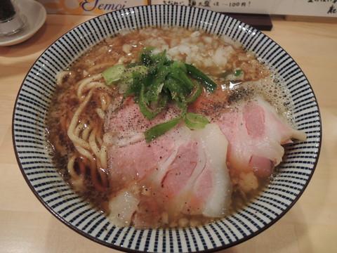 煮干醤油らーめん(680円)