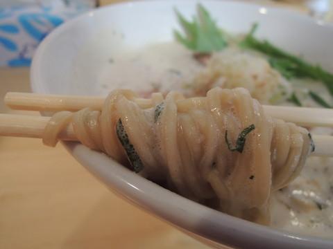 ふく流らーめん改の麺
