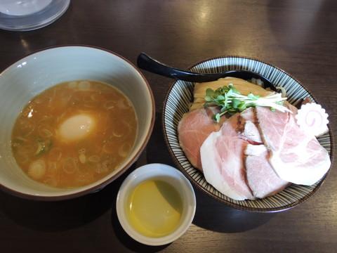 特選鶏つけ麺(大盛)(1150円)+白トリュフオイル(サービス)