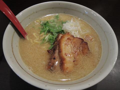 豚骨しょうゆ(700円)