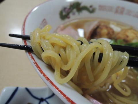 大阪らーめんの麺