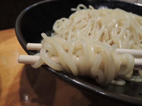 醤油馬鹿つけ麺の麺