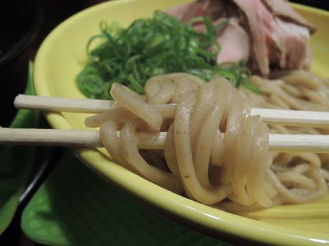 ウニたれの豚骨つけ麺の麺