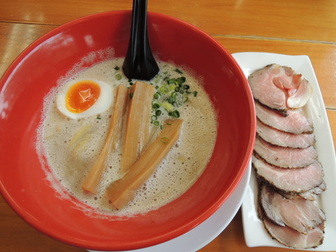 濁とろ塩チャーシューメン(1050円)
