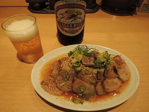 しみだれちゃあしゅう盛(小盛)(380円)+びんビール(中びん)(500円)