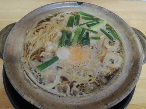 鍋焼きラーメン 並(600円)