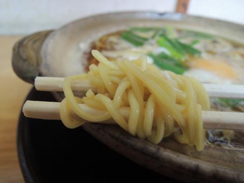 鍋焼きラーメン 並の麺
