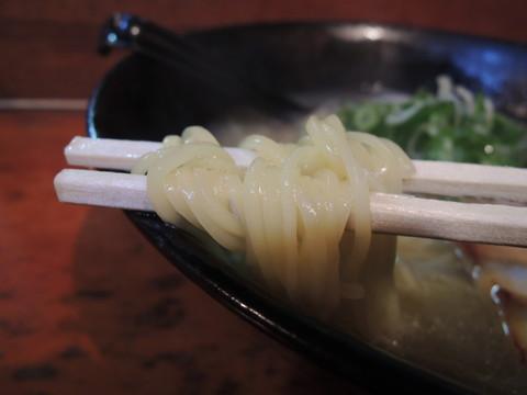 塩ラーメンの麺