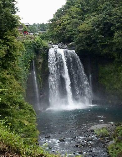 新装夏の白糸の滝-8