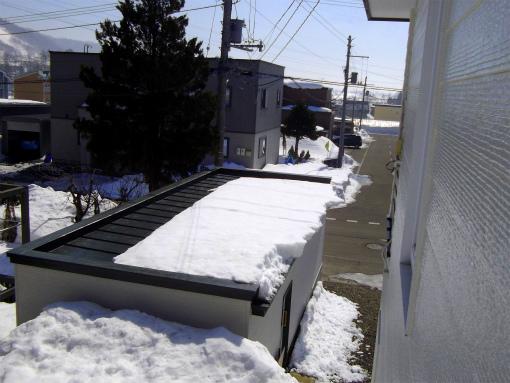 s-433-3屋根の雪②