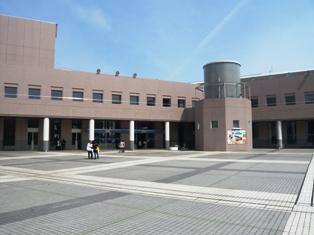 津市民会館