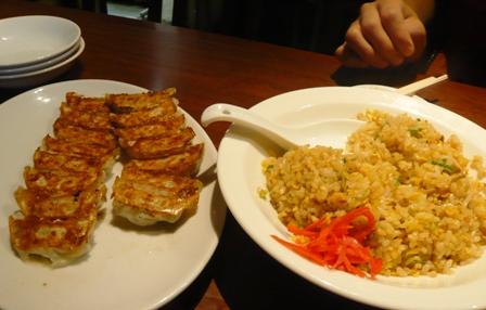 萬珍軒:炒飯、餃子