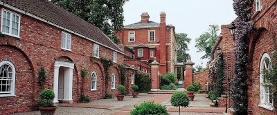 middlethorpe-18th-century-courtyard_jpg_960x400_q85_crop_detail_upscale.jpg