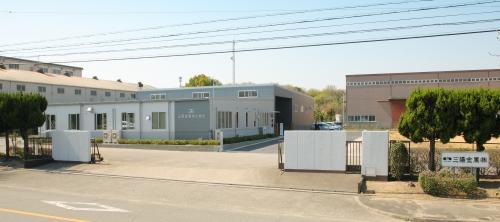 巴第一工場外観2
