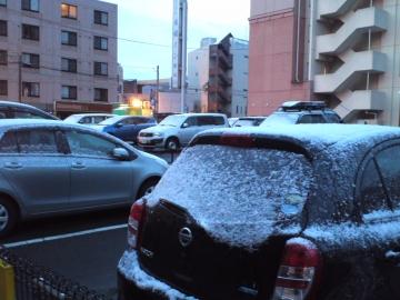 クルマに雪