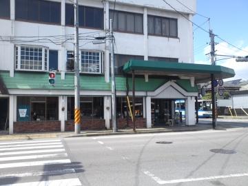 駅前カフェ