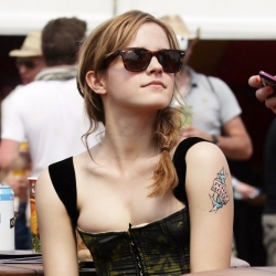 Emma-Watson-areola-260315 (9) - 2