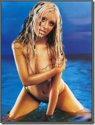 Christina-Aguilera-260803  (14)