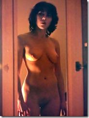 Scarlett-Johansson-260420 (2)